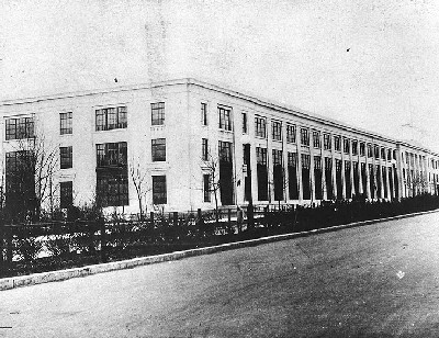 """Munitions"" Building, Washington, D.C., View of the building's north and eastern facades, seen from Constitution Avenue, N.W., in 1918"