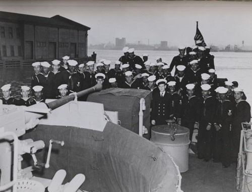 """Commissioning of USS PC-1264, New York, 25 April 1944."""