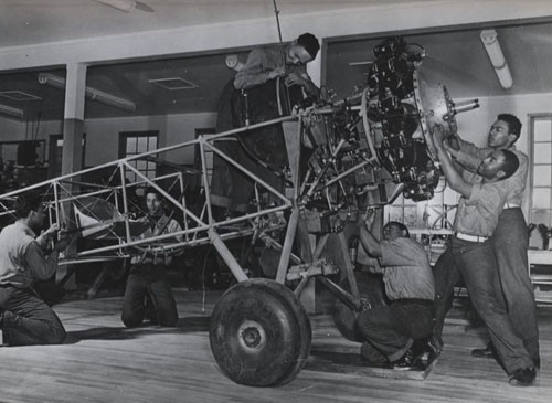 """Airplane engine training, US Naval Training Station, Great Lakes, Illinois."""