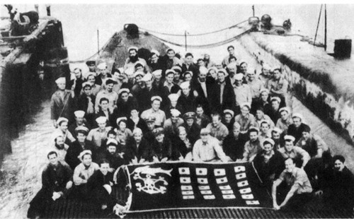 Ship's Co. USS Swordfish at the End of their Tenth War Patrol