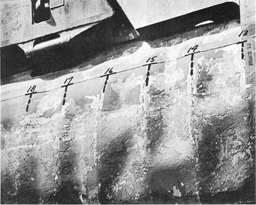 Photo 6-3: TUNNY (SS282). Close view showing depressions in pressure hull plating between frames, starboard side.