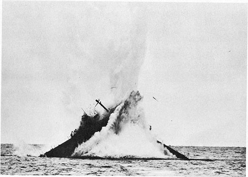 Photo 10-1: TANG (SS306). View showing torpedoing of U-977 by ATULE (SS403) on 13 November 1946.