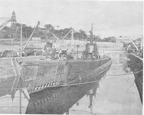 Photo 13-8: GROWLER (SS215). Undocking from Moreton Drydock on 1 May 1943 with the new bow completely installed.